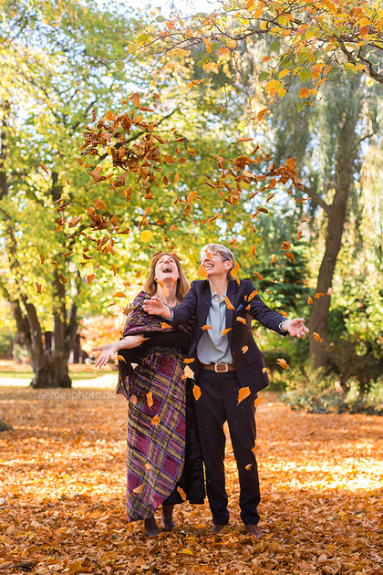Mrs. & Mrs Happy, this years most laughing couple in autumn colors in the wonderfull garden of Pension Vestergade 44
